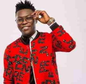 'Hold Your Credit, I'm Getting Money' – Reekado Banks Shuns Fan's Concern